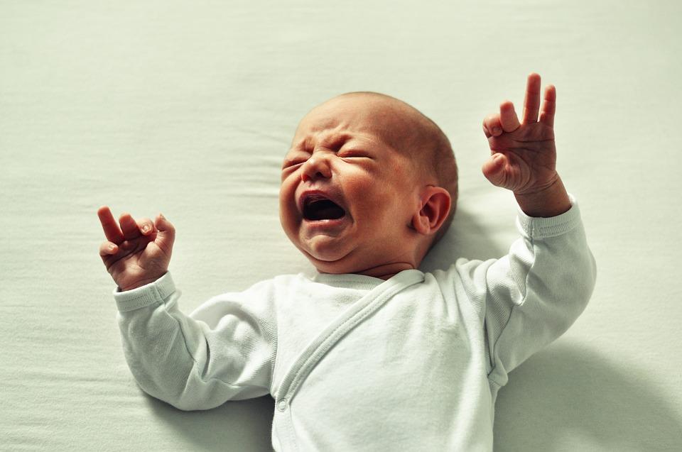 baby blähungen dreimonatskoliken drei monats kolik darmkolik bauchschmerzen baby bauchweh